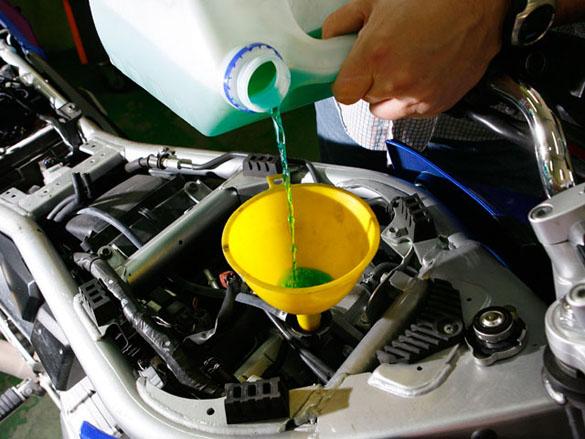 Cambio refrigerante/anticongelante (líquido incluido).